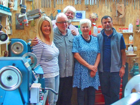 Von links nach rechts: Anke Weinbrecht, Albert Klar-Bauder, Martin Weinbrecht, Anne Haller-Karpf, Som Paneru